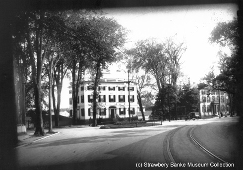 John Peirce Mansion, Middle Street, Portsmouth, NH (c) Strawbery Banke Museum