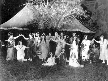 1915 pageant at Green Acre School in Eliot Maine (Eliot Baha'i Archive)