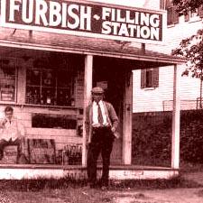 Furbish Filling Station, Eliot, Maine/ Courtesy estate of C. Edward Bartlett, Jr