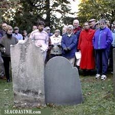 Author lectures to a group at Point of Graves in Portsmouth, NH / SeacoastNH.com