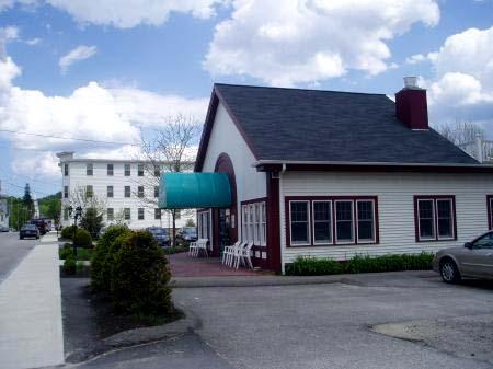 South Berwick, Maine Restaurant / SeacoastNH.com
