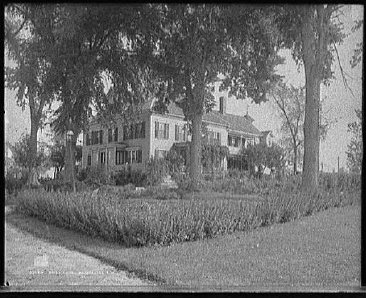 John Stark House in Manchester, NH  from 1908 photo. (Library of Congress American Memories Collection)