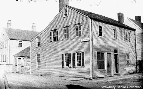 House on Sheafe and Chapel Streets, Portsmouth, NH / Strawbery Banke Collection