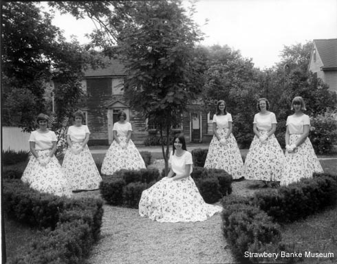 Strawbery Banke Belles by Douglas Armsden . Strawbery Banke Museum Archive on SeacoastNH.com