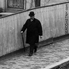 Strolling on Vaughan Street in 1900 on SeacoastNH.com (c) Strawbery Banke Archive