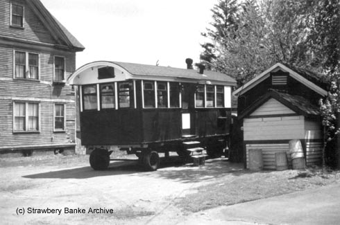 Gilley's Lunchcart in Portsmouth South End (c) Strawbery Banke Museum Archives