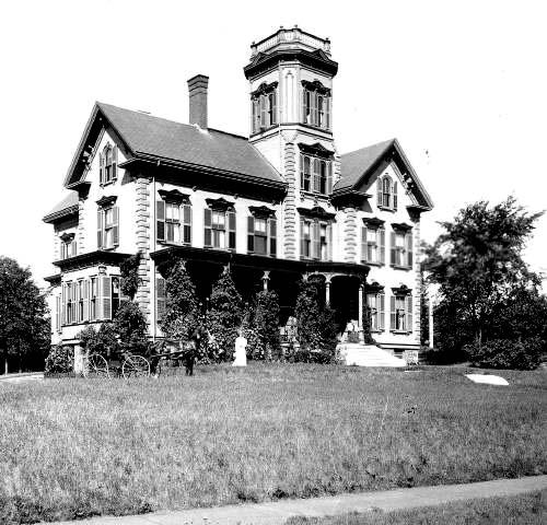 VIctorian Home (c) Strawbery Banke