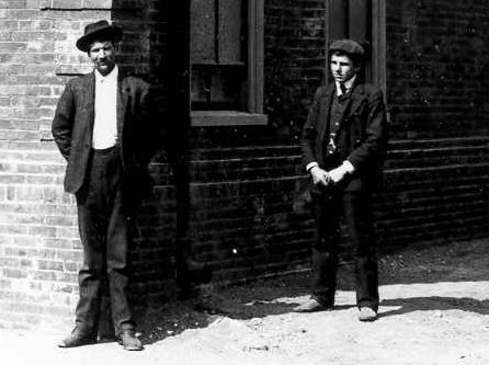 Innocent bystanders, 1907, Portsmouth, NH