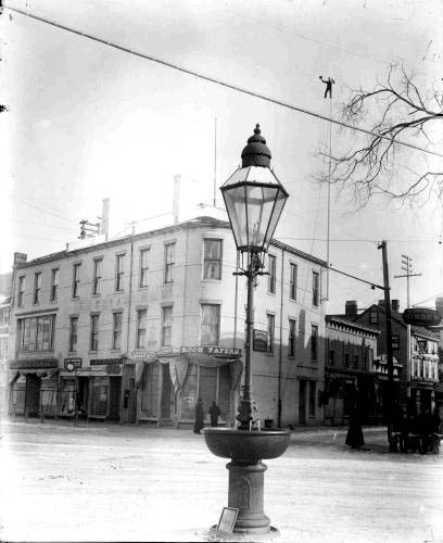 Historic Market Square pole climber / Strawbery Banke Archive