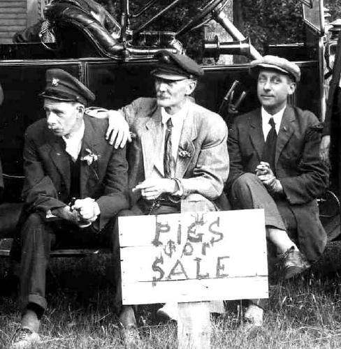Three motorists / Strawbery Banke Archive