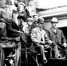 1890 Concord Coach / Strawbery Banke Archive