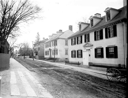 (l to r) Parry, Haven and Wendell Houses on Pleasamst Street in Portsmouth, NH (c) Strawbery Banke Museum