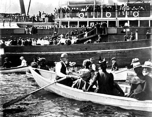 Spanish prisoners of war depart Portsmouth, Harbor from Maine penal colony in September 1898/ Strawbery Banke Archive