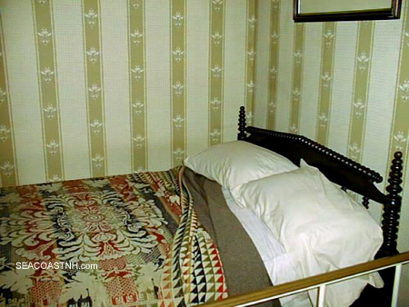 Bed in Peterson House where Lincoln died/ SeacoastNH.com