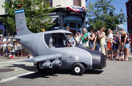 Military recruitment vehicle lands in Market Square / SeacoastNH.com
