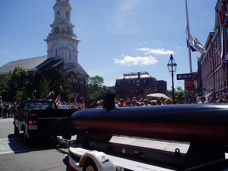 Model of submarine from Save our Shipyard rolls into Market Square / SeacoastNH.com