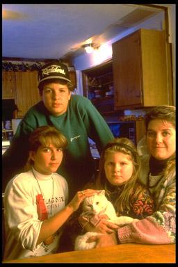 Seacoast Family with Cat (c) Frank CLarkson