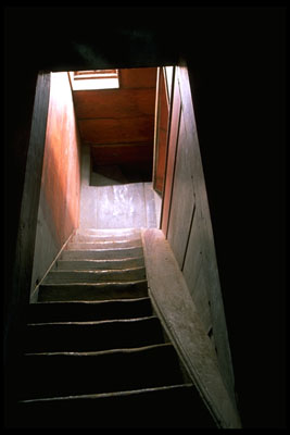 Back stairwell of Tobias Lear House (c) Frank Clarkson